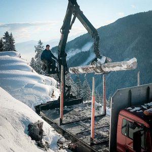 Holzverladung im Winter