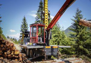 Andreas Laubichler bei Forstarbeiten mit Mounty 4000