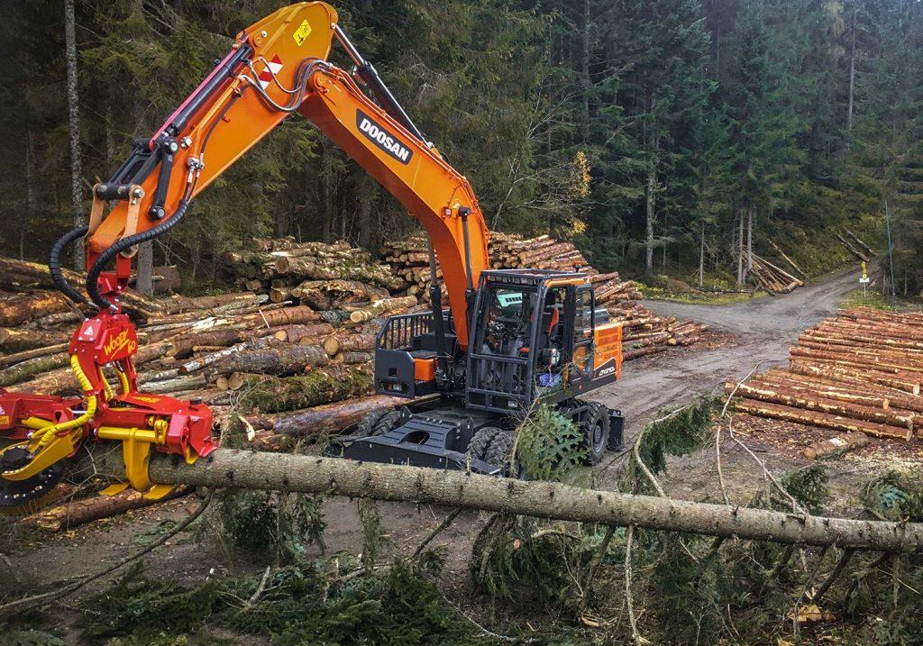 Prozessorarbeiten, Harvester Woody 60 - Forstbetrieb Laubichler